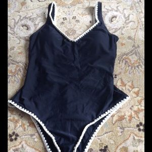 Mossimo bllack and ivory swim suit